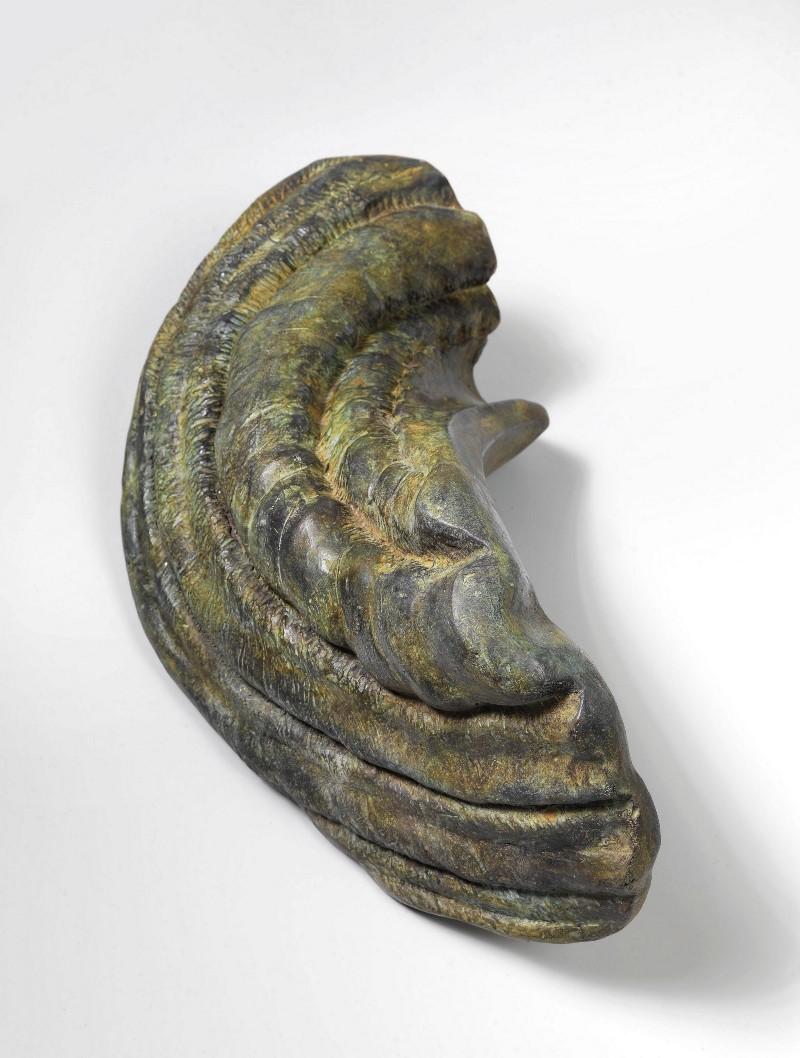 Venxen Ke Ve, 2018-ongoing, bronze sculpture, cm 25,3 x 50 x 24