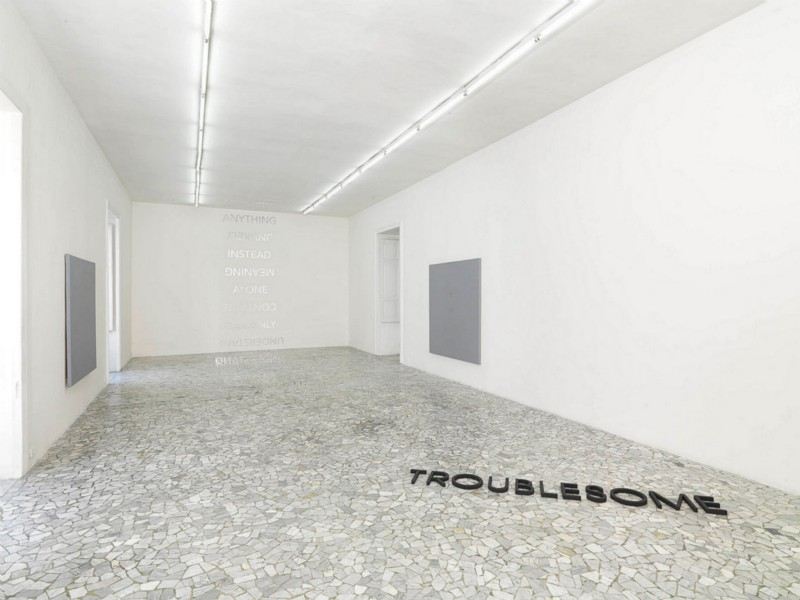 Robert Barry, TROUBLESOME, partial view of the exhibition, March 2011