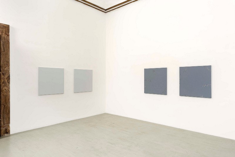 Robert Barry, partial view of the exhibition, April 2018