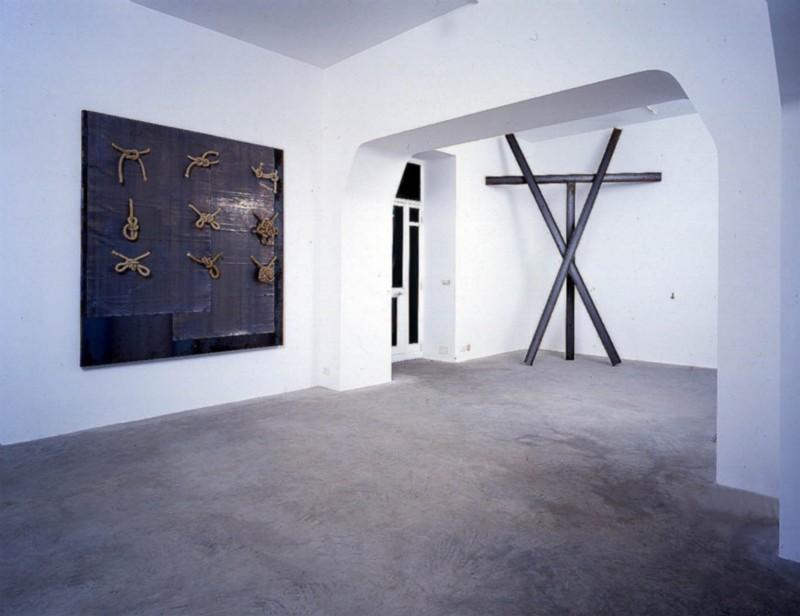 Jannis Kounellis, partial view of the exhibition, November 1997