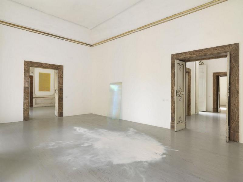 Ann Veronica Janssens, partial view of the exhibition, April 2016