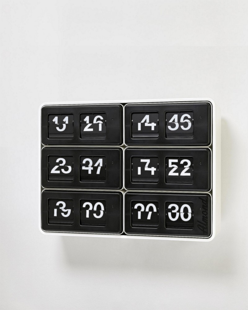 Perfect time (3 x 2), 2013, six synchronized digital clocks, cm 44,5 x 60 x 14,5, edition of 3 + 2 AP, ed 1/3