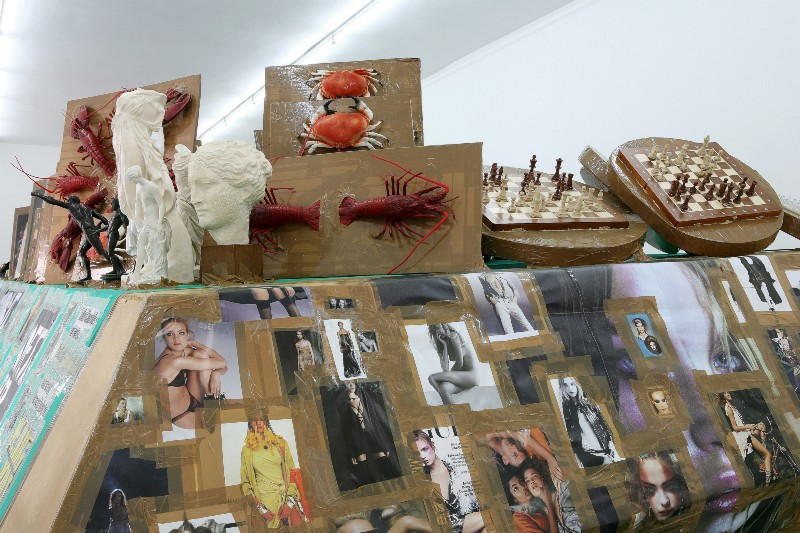 Thomas Hirschhorn, The Green Coffin, partial view of the exhibition, April 2006